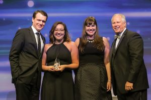 Macdonald Realty accepts 2016 Global Alliance Award in Miami